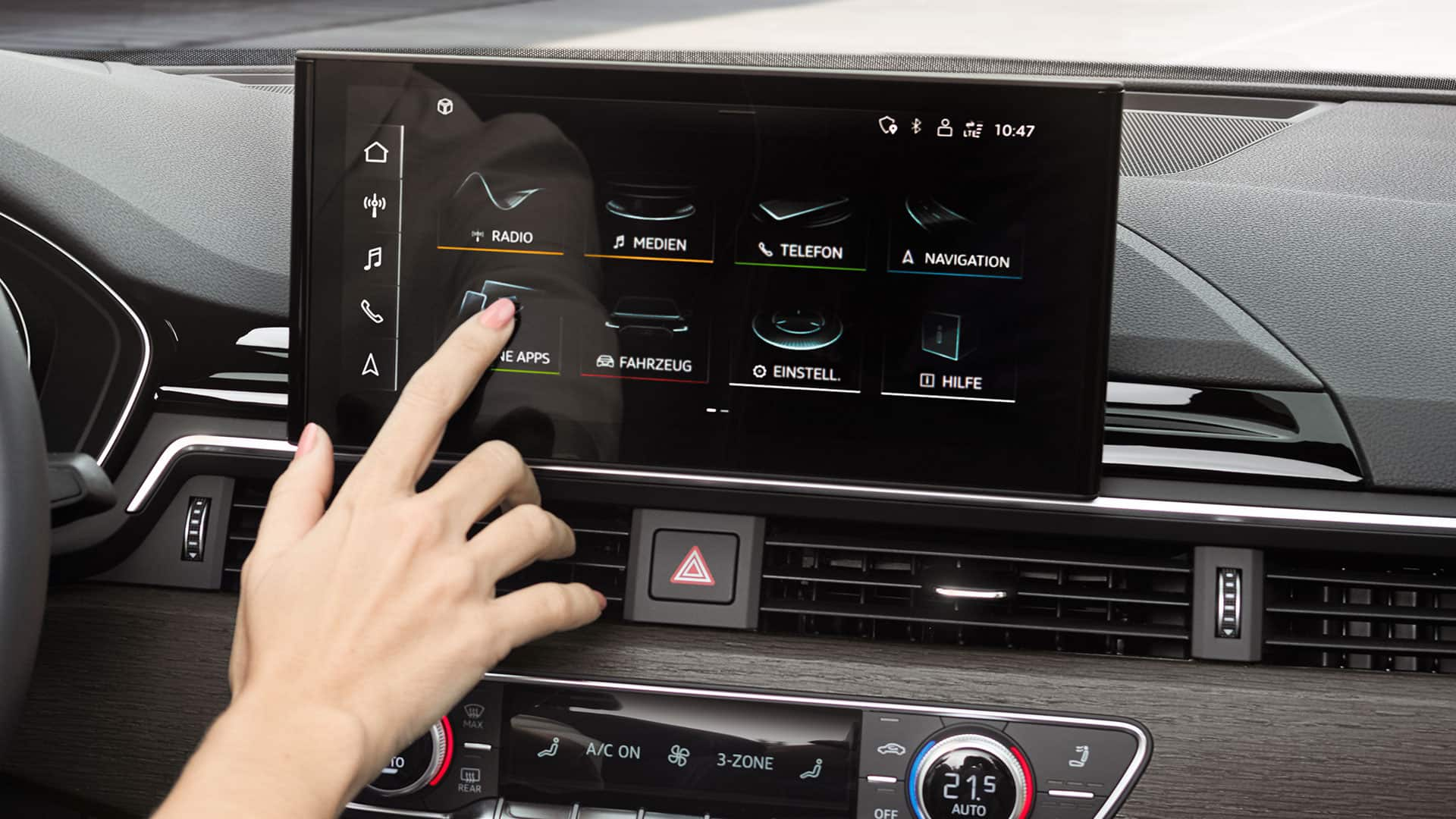 MMI touch display in the Audi A5 Cabriolet